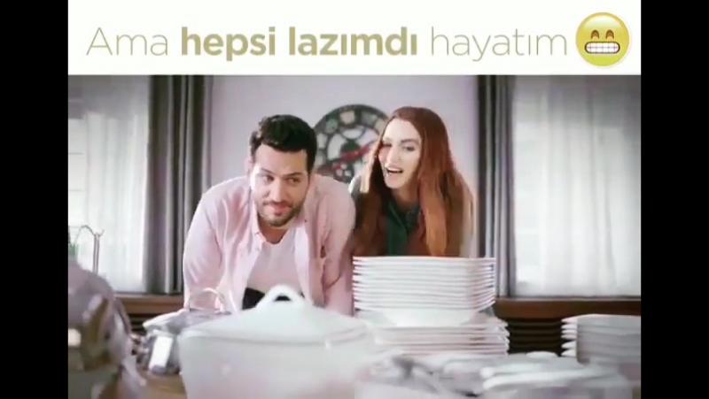 Мурат Йылдырым и Имани Эльбани в рекламном ролике Esman