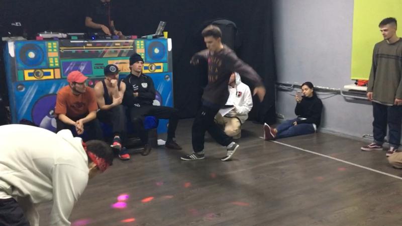 Grimm vs Купер профи 1vs 1 хип-хоп не спит