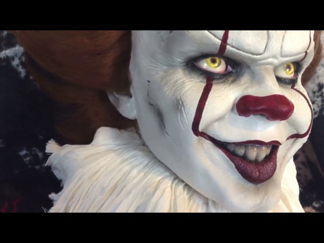 IT: Pennywise The Dancing Clown Bust