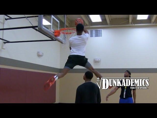 Tyler Currie Chris Staples Dunk Session : Dunkademics