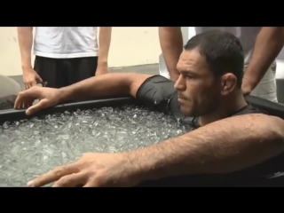 Реакция бойцов ММА на ледяную воду