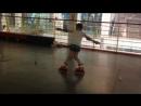 Инверсный кораблик на роликах. Трюки от учеников школы Роллер-Омск.