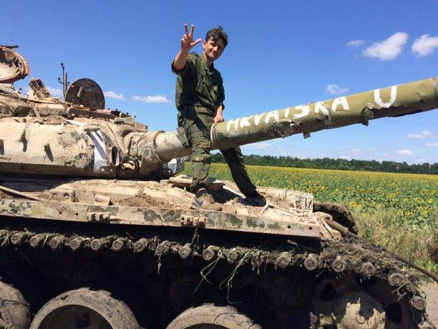Молодых снайперов ВСУ используют как щит и бросают напередовую какприманку: легендарный «Деки» раскрыл страшную правду Киева