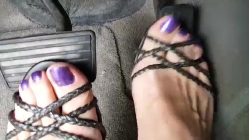 Cold barefeet Sexy сексуальные эротические ноги стопы обувь колготки девочки мамаши школьницы студентки молодые