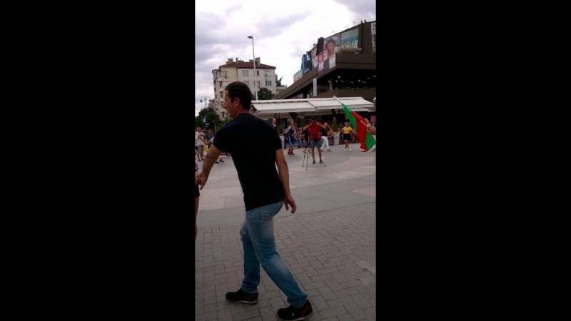 Хоро танцуют или как говорят болгары,