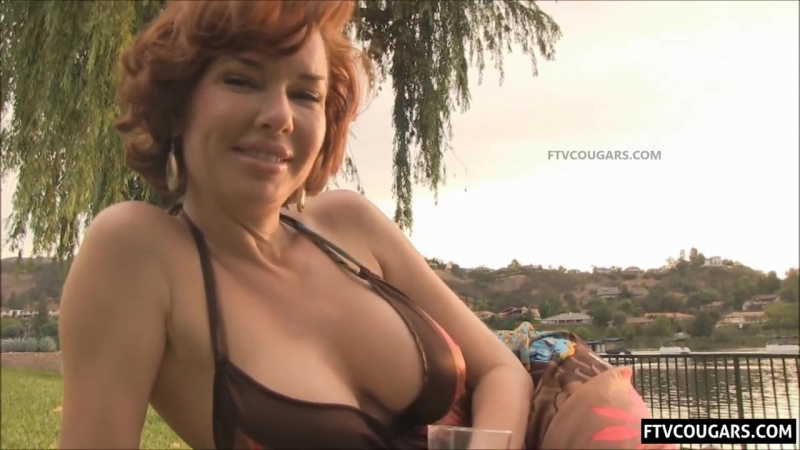 Секси МИЛФа Veronica Avluv сисястая королева сквирта сексвайф пума жена milf mature wife зрелая cougar sexwife hot sex порно
