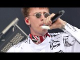 Machine Gun Kelly  Wonderwall (Oasis cover) + Bad Mother Fucker, live @ Download Festival, UK 2017