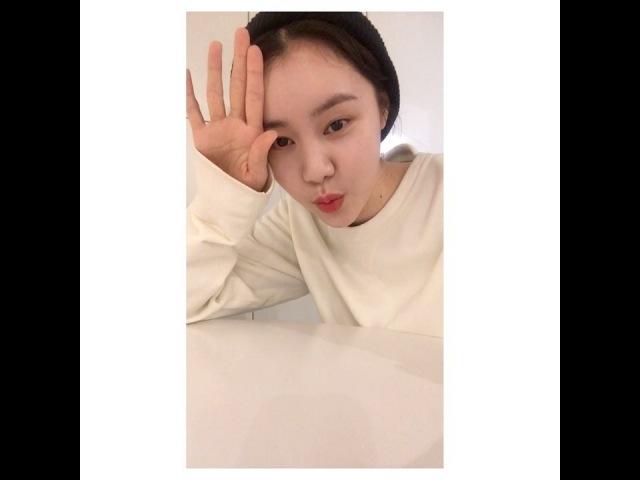 """Yewon Kim on Instagram """"다시 완전체 시작👫👯💃🏻! 곧 보이는 라디오 놀러오세오.💜함께54"""