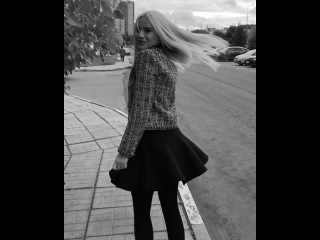Экс-участница «Дом 2» Татьяна Охулкова хвастается идеально ровной длиной волос