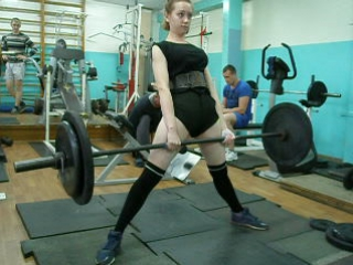 Тяга 90 кг. Романишина Лиза. Тренировка 7.07.2017 г.