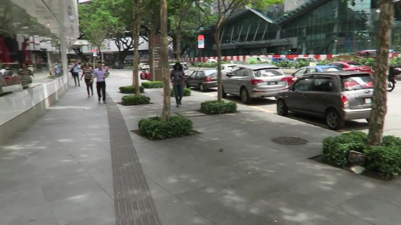 [Вечное Лето (Жизнь в Тайланде)] Малайзия - метро в Куала-Лумпуре, обзор квартиры с видом на башни, ВЛОГ