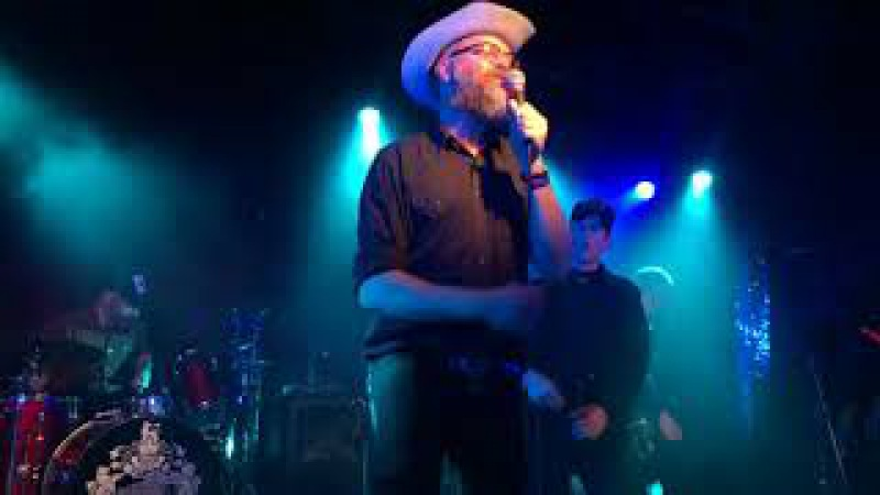 Slim Cessna's Auto Club Jesus is in my body live at 16 tons moscow october 3 2017