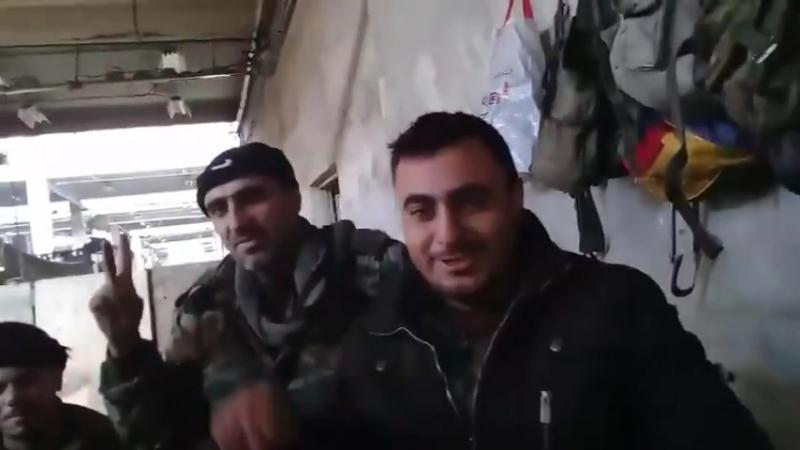 Высокий моральный дух героев Сирийской Арабской армии в осажденном Управлении транспортных средств в Харасте