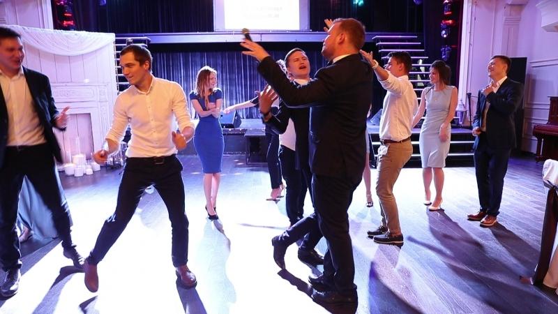 Кто сказал, что молодежь танцует только под туц-туц-туц?