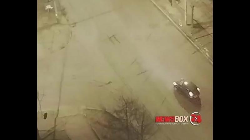 Поздним вечером 23 февраля во Владивостоке водитель Лексуса попытался скрыться после того как повредил две иномарки