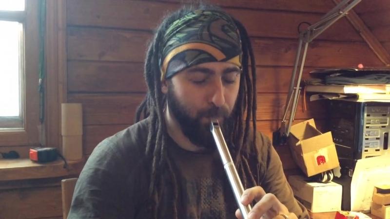 Дима играет на флейте