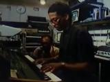 Touchscreen DAW in 1984 (Herbie Hancock &amp Quincy Jones jam with Fairlight CMI)