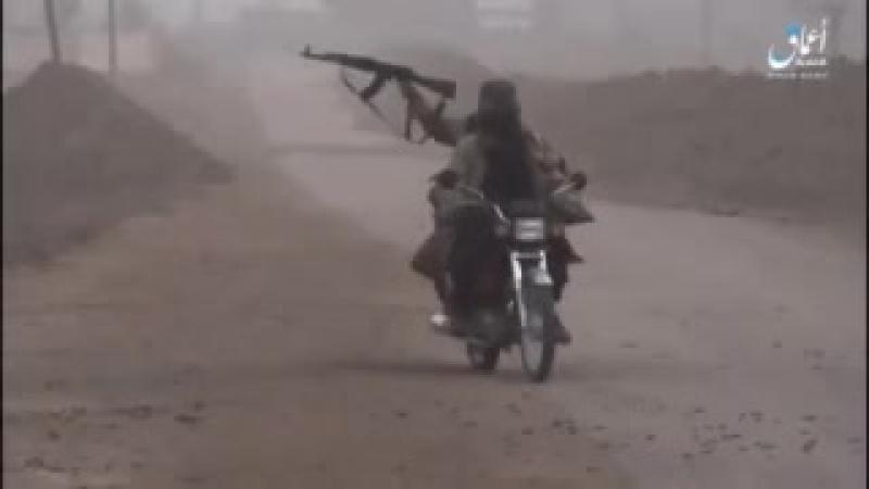 Не грози джихади-централу, попивая чай у себя в Рожаве. Муджахиды ИГ обстреливают позиции курдов в стиле ниггерских разборок.
