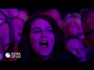 Robbie Williams emotional response to Manchester tribute | 60 Minutes Australia