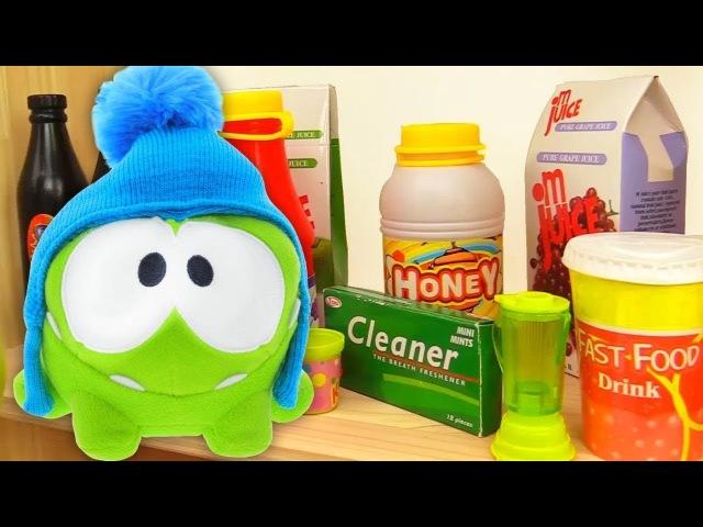 Om Nom Español💚OmNom busca dulces en la tienda🍬Juegos de Om Nom 🍭 Video de juguetes para niños