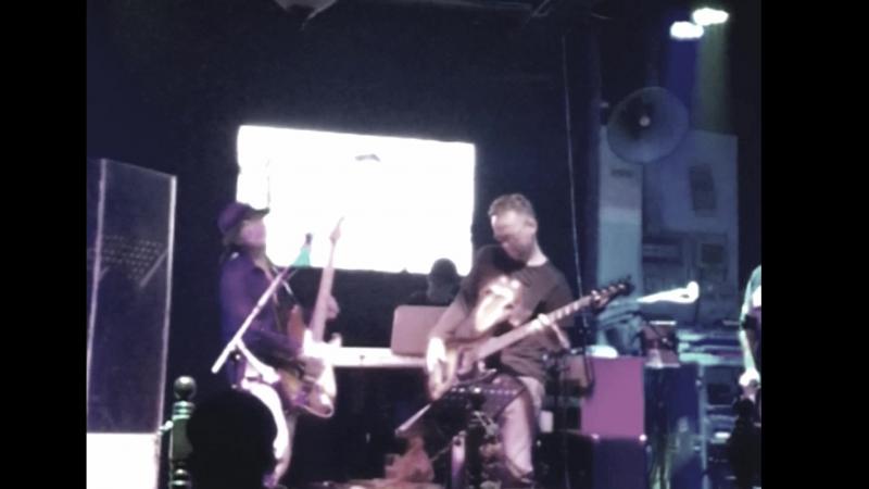 Qingdao live jam @Lennon bar (2017 nov 18)