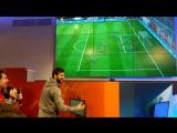 Джикия играет в FIFA 18 на турнире от Nike
