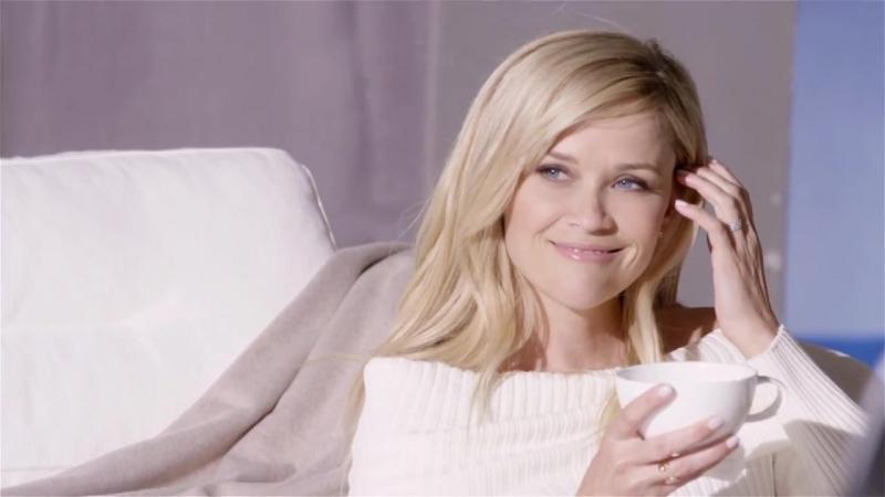 Реклама духов «White Tea» косметического бренда «Elizabeth Arden»