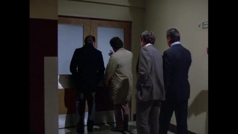 Лейтенант Коломбо, сезон 5, Эпизод 6 (Последний салют командору)