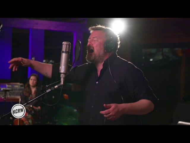 Elbow performing Grounds For Divorce Live on KCRW