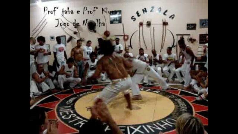 Capoeira senzala RJ - Jogo de faca e Navalha.