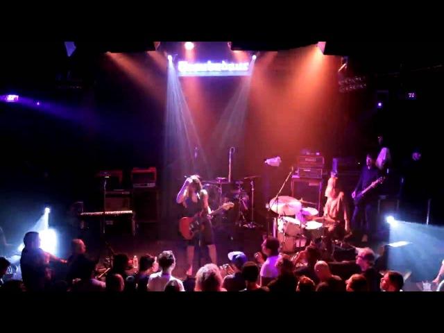 Le Butcherettes - Your Weakness Gives Me Life (Live) - Troubadour (Proshot) - 10/23/14