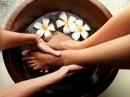Тонизирующий и расслабляющий массаж ног.Invigorating and relaxing foot massage