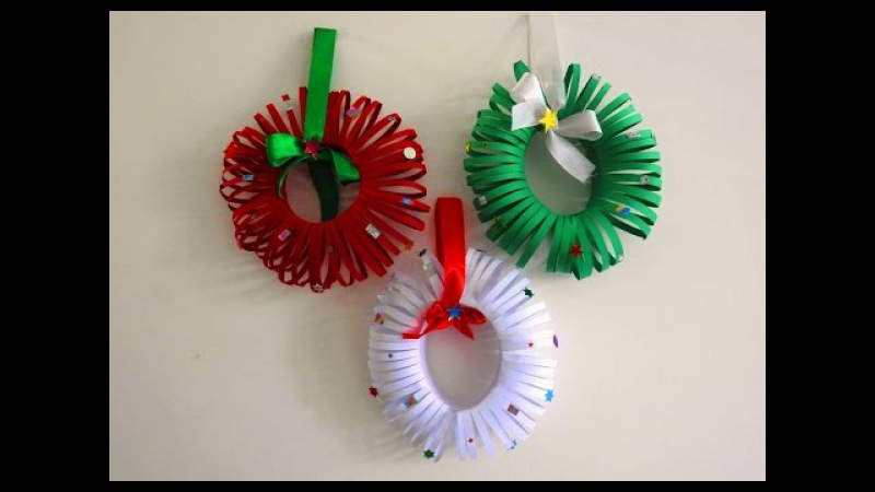 Easy Christmas Wreath Tutorial ~ DIY Christmas Room Decor ~ X'mas Decor Ideas with Paper...