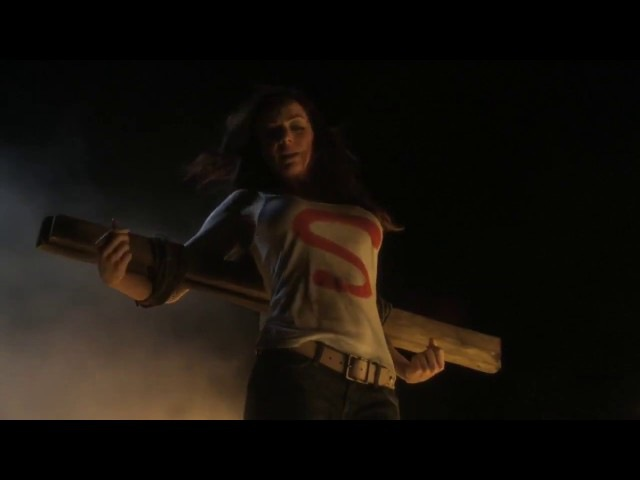 Smallville 10x01 - Lazarus - Clark confronts Lex saves Lois and the Daily Planet
