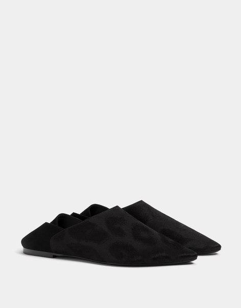 Туфли на плоской подошве, без задника, с тиснением