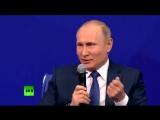 Путин - Машкову: Спасибо большое вам за фильм! Машков: Мы не знали, что вы сходили. Путин: Я не ходил, я флэшку воткнул. Машков:
