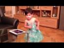 Смешная подборка танцующих малышей