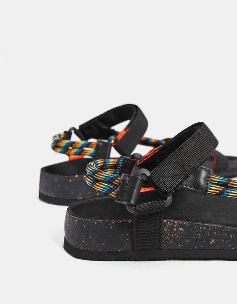 Мужские сандалии со шнуровкой