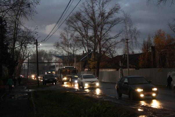 Пробка в Шахунье настолько эпична, что вытянулась уже до налоговой.  14 ноября 2017