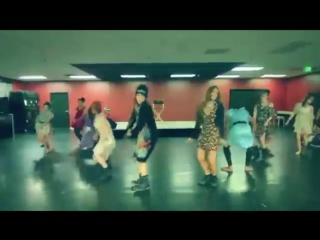 Вам это понравится танцы GO GO на улице в клубе,групповые танцы красивых девушек.mp4