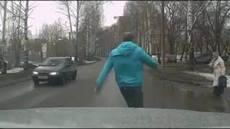 Видео с регистраторов авто. Совершайте добрые дела!