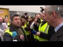 Bruno Le Maire vivement interpellé par un ouvrier de PSA Mulhouse