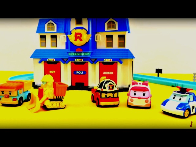 Robocar Poli: construction d'une nouvelle station de secourisme