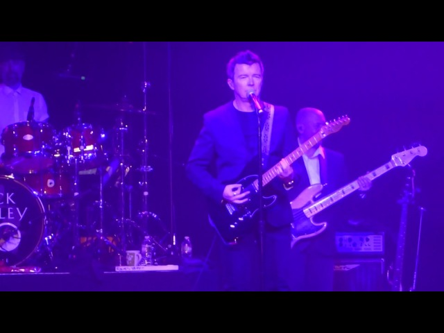 Everlong (Foo Fighters Cover) Rick Astley@Electric Factory Philadelphia 21117