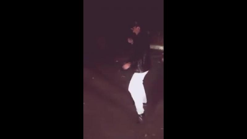 скачать как парень красиво танцует под танец папито 10 тыс. видео найдено в Яндекс.Видео.mp4
