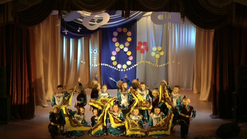 Праздничный концерт к 8 марта _ Задоринка - младш состав Башк танец Сувенир _ Руков-ль К.Старцева