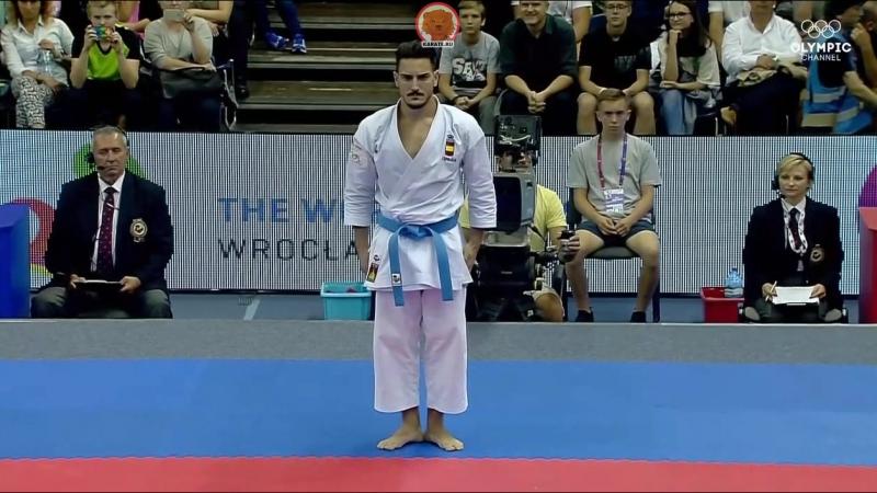 Рио Киюна (Япония) - Дэмиан Куинтеро (Испания). Финал Всемирных Игр в мужском ката