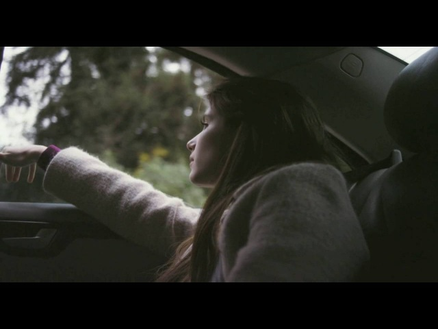 Emma Roberts (Palo Alto car scene)