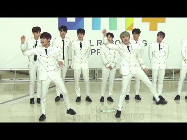 더유닛(The Unit) 유닛B - 포인트 안무 - 타임스퀘어 - 2018.02.11일.hnh