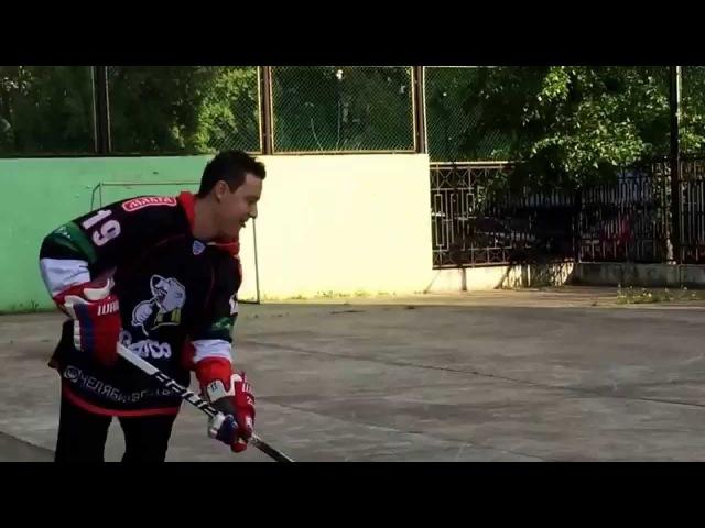 Стас Ярушин. В нашей семье ни дня без хоккея.